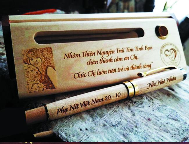 Món quà bút gỗ tặng quốc tế phụ nữ